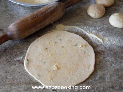 Roll the dough for gobhi parantha