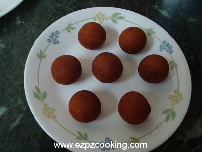 Cool the gulab jamun balls