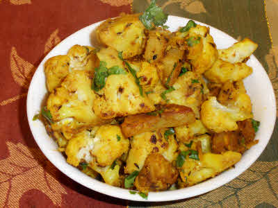Phool Gobhi Aloo ready to eat