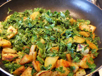 Posted in Vegetable Tagged fenugreek , methi , potato