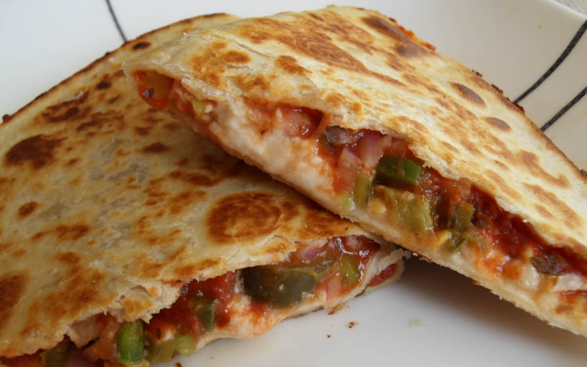 Vegetable Tortilla Pizza – EZPZ Cooking