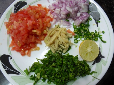 Chopped vegetables for sprouted moong