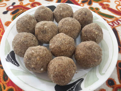 Alsi Ke Laddoo are ready