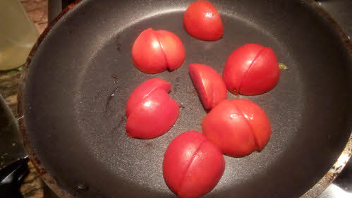 Fry tomatoes