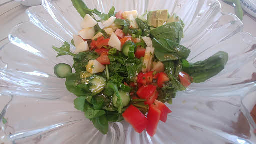 Mix vegetables and dressing
