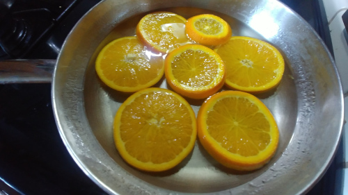 Boil the slices in sugar syrup
